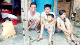 Người cha bệnh tật và 4 con thơ