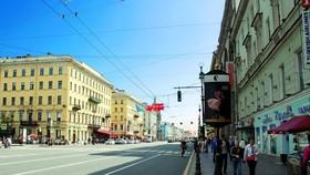 涅瓦大街算是聖彼德堡的主街,建築都古雅精美,透著沙俄的華麗貴氣。