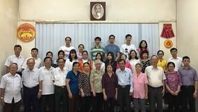 市民族處主任吳文展(前排右五)同與會者合照。