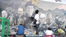 藝術家作畫《英雄》紀念 13 人大救援。(圖源:互聯網)