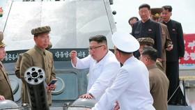 朝鮮最高領導人金正恩視察清津造船廠。(圖源:互聯網)