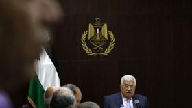 9月15日,在約旦河西岸城市拉姆安拉,巴勒斯坦總統阿巴斯主持會議。巴勒斯坦總統阿巴斯15日說,巴方准備將貝都因人居住區、阿克薩清真寺等涉及以色列的問題提交國際法院。(圖源:AFP)