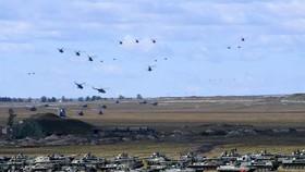 東方2018的大型軍事演習中總共有30萬人參與,演習覆蓋了俄羅斯西伯利亞和白令海峽一線。(圖源:新華網)
