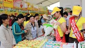 消費者在選購優質國貨。(圖源:BSA)