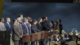 在2018年10月12日聯大會議上,為選舉人權理事會成員收集選票。(圖源:聯合國)