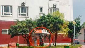 圖中畫紅圈的是疑放爆炸物的櫃員機。(圖源:光壽)