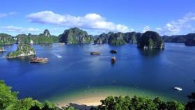 東盟旅遊論壇將於明年1月14至18日在廣寧省下龍市舉行。圖為下龍灣景色一瞥。(圖源:互聯網)