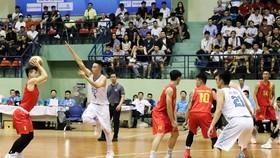 男子組,河內-胡志明市(紅衣)比賽一瞥。