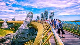 Ngắm toàn TP Đà Nẵng từ cây cầu ở độ cao 1.414m