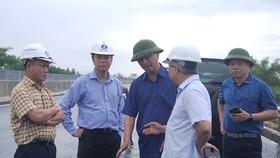 Thứ trưởng Bộ GTVT Lê Đình Thọ kiểm tra đột xuất đường cao tốc Đà Nẵng - Quảng Ngãi