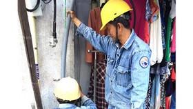 Phòng tránh tai nạn điện khi có mưa, triều cường