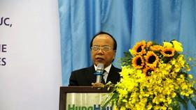 PGS-TS Trần Văn Thiện, Hiệu trưởng Trường ĐH Văn Hiến phát biểu khai mạc hội thảo