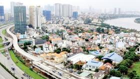 An above the ground stretch of Ben Thanh-Suoi Tien metro line along Hanoi Highway (Photo: SGGP)