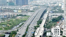 Ben Thanh-Suoi Tien metro line spans over Saigon River (Photo: SGGP)
