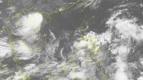 A satellite photo of the tropical depression in the East Sea on September 25 (Photo: SGGP)