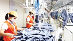 Garment product making at Garment 10 Company (Photo: SGGP)
