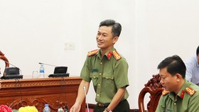 Colonel Tran Van Duong from Can Tho Police Department informed the press of the case on October 24 (Photo: SGGP)