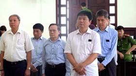 Ông Đinh La Thăng cùng các đồng phạm trong phiên tòa phúc thẩm vụ án gây thiệt hại 800 tỷ đồng của PVN đầu tư vào OceanBank