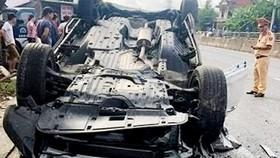 Phó Giám đốc Sở TN-MT Đà Nẵng lái ô tô gặp tai nạn, vợ tử vong