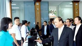 Thủ tướng Nguyễn Xuân Phúc thăm Trung tâm hành chính công tỉnh Thừa Thiên - Huế