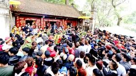 Phó Thủ tướng chỉ đạo: Không để xảy ra những hành vi khơi dậy lòng ham tiền tại các lễ hội