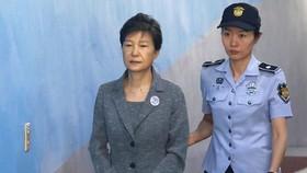 Cựu tổng thống Hàn Quốc Park Geun-hye bị kết án 24 năm tù. Ảnh: EFE