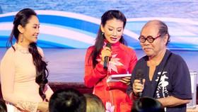 NSND Đoàn Dũng với diễn viên và người xem Nhà hát 5B Võ Văn Tần, TPHCM
