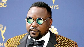Brian Tyree Henry gặp Millie Bobby Brown trong Godzilla vs. Kong