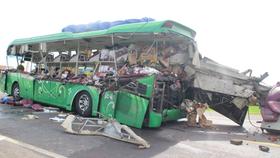 Hiện trường một vụ tai nạn giao thông nghiêm trọng