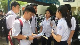 Đáp án kỳ thi tuyển sinh lớp 10 công lập năm học 2017-2018