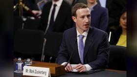 Giám đốc điều hành (CEO) mạng xã hội Facebook Mark Zuckerberg trong buổi điều trần. Ảnh: REUTERS