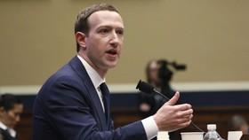 Mark Zuckerberg trong phiên điều trần tại Hạ viện Mỹ ngày 11-4. Ảnh: REUTERS