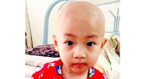 Bé trai 3 tuổi bị ung thư