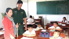Thầy Phục biên phòng trên đảo Hòn Chuối