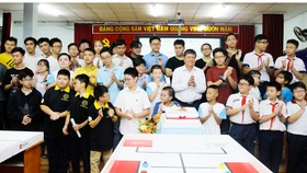 Ra quân tham dự cuộc thi Robot quốc tế 2018