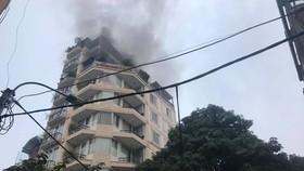 Cháy khách sạn trong khu phố cổ, nhiều khách nước ngoài hoảng loạn