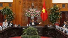 Phó Thủ tướng Vũ Đức Đam phát biểu tại cuộc họp. Ảnh:  TTXVN