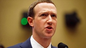 CEO Facebook Mark Zuckerberg tại buổi điều trần trước Hạ viện. (Nguồn: Reuters)