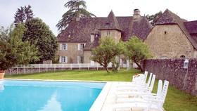 Cơ hội sở hữu lâu đài 1,7 triệu EUR chỉ với 10 bảng Anh
