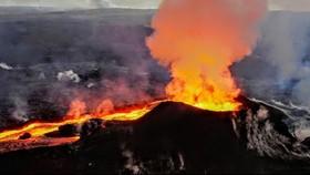 Dung nham phá hủy kết cấu đảo Hawaii