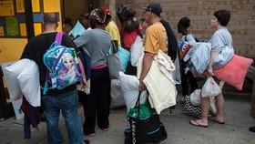 Người dân Mỹ sơ tán tránh bão Florence