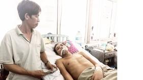 Anh Nguyễn Phi Tân đang điều trị tại BVĐK tỉnh Bình Định
