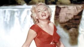 Quả cầu vàng của Marilyn Monroe lập kỷ lục đấu giá