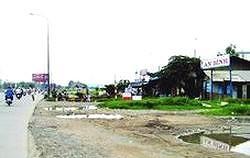 Giải phóng mặt bằng xây dựng đoạn từ cầu Rạch Chiếc đến xa lộ Hà Nội