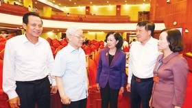 Tổng Bí thư Nguyễn Phú Trọng với các đại biểu dự hội nghị. Ảnh: TTXVN