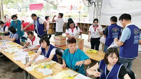 Sự phối hợp nhịp nhàng ăn ý giữa CB CNV công ty Vedan Việt Nam và các y bác sĩ bệnh viện Vinh dân cũng là điểm sáng của chương trình