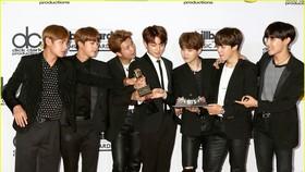BTS đánh bại kỷ lục của Justin Bieber trên Billboard