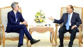 Thủ tướng Nguyễn Xuân Phúc tiếp ông Bill McDermott, Chủ tịch Tập đoàn SAB (CHLB Đức). Ảnh: VOV