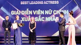 Trao giải diễn viên nữ chính xuất sắc tại Liên hoan phim quốc tế Hà Nội lần thứ V - 2018