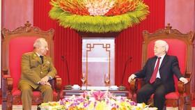 Tổng Bí thư, Chủ tịch nước Nguyễn Phú Trọng tiếp Thượng tướng Leopoldo Cintra Frías, Ủy viên Bộ Chính trị, Ủy viên Hội đồng Nhà nước và Hội đồng Bộ trưởng, Bộ trưởng Bộ các Lực lượng vũ trang cách mạng Cuba